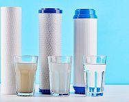 Uhlíkové filtry na vodu do kuchyně? Na změkčení vody a odchlorování