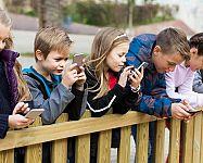 Jak vybrat mobil pro děti? Dětský dotykový mobil podle věku