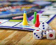 Monopoly Slovensko, Junior, Cheaters edition či Elektronické bankovnictví = zábava pro děti i dospělé