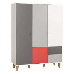 Bílo-šedá třídveřová šatní skříň se červeným detailem Vox Concept