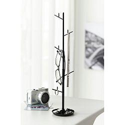 Černý stojánek na šperky Yamazaki Branch