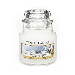 Vonná svíčka Yankee Candle Zimní Harmonie, doba hoření 25 - 40 hodin