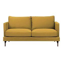 Žlutá dvojmístná pohovka s podnožím ve zlaté barvě Windsor & Co Sofas Jupiter