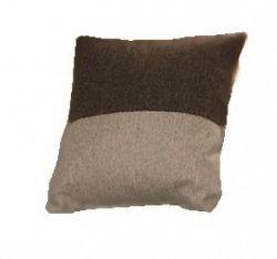 Polštářek v hnědých barvách KN330