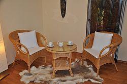 Axin Trading Ratanová sedací souprava Tazmania medová polstry bílé