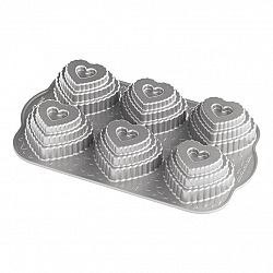 Nordic Ware Forma na 6 vrstvených srdíček Tiered Heart stříbrná 6 x 120 ml