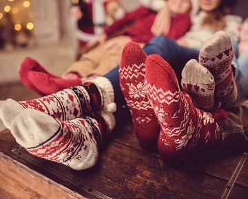 Vánoční ponožky se soby nebo vločkami jsou každoroční hit!
