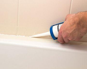 Jak na silikonování vany, dlažby, umyvadla, sprchového koutu a rohů koupelny
