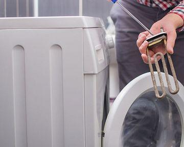 Jak vyndat spirálu z pračky? 5 tipů, které vám s tím pomohou
