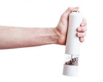 Ruční vs. elektrický mlýnek na koření a sůl: recenze, zkušenosti, test
