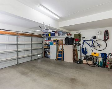 Na co si dát pozor při koupi garáže? Informace o majiteli a nemovitosti, právní záležitosti, kupní smlouva